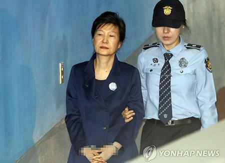 박근혜 전 대통령 구속 연장될까 석방될까…13일 결론