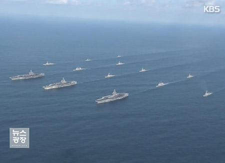 3 حاملات طائرات أمريكية تجري مناورات بالقرب من شبه الجزيرة الكورية