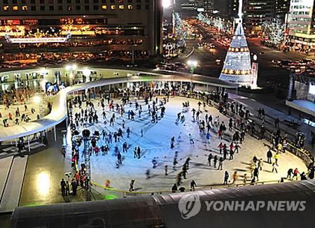今年冬季首尔广场将开溜冰场