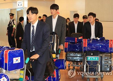 """""""떨지 않고 하던 대로만""""…야구대표팀, 도쿄 입성"""