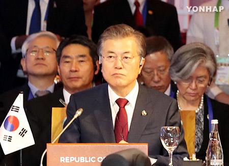 文大統領 ASEAN+3首脳会議に出席