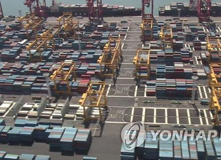 В этом году Пусанский порт может переработать 20,5 млн контейнеров