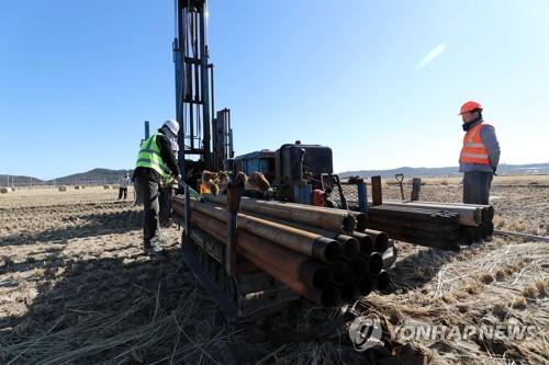 Gov't Drilling Quake-Hit Region to Survey Soil Liquefaction