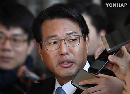 """'군 댓글 관여' 김태효 전 기획관 검찰 소환…""""성실히 소명할것"""""""