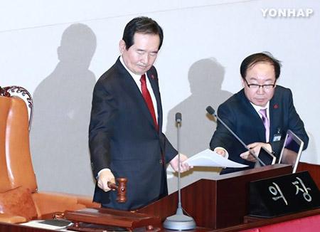 내년 예산안 진통 끝 통과...정치권 후폭풍