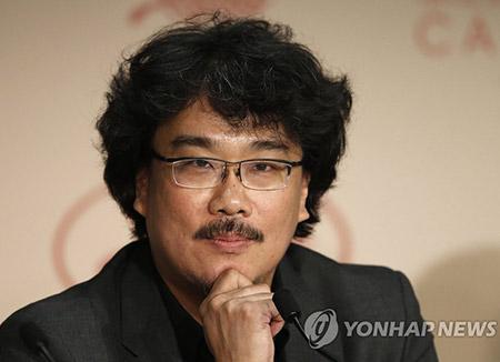 بونغ جون هو يفوز بجائزة أفضل مخرج لهذا العام