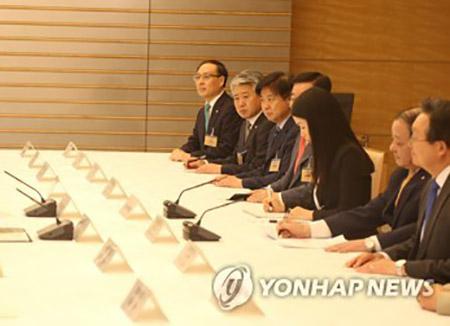 韓日日韓議員連盟の総会 意見の食い違い露呈