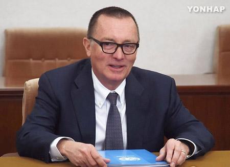"""펠트먼 유엔사무차장 """"北에 남북채널재개·평창올림픽참가 제안"""""""