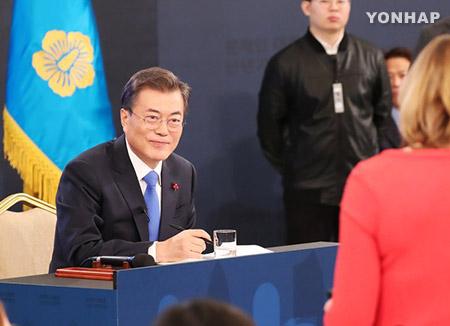 일본 언론, 문 대통령 신년회견 신속보도…'위안부합의 언급' 관심