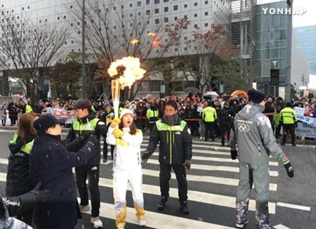 Obor Olimpiade PyeongChang Tiba di Seoul
