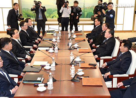 كوريا الشمالية تقترح محادثات لمناقشة إرسال وفد فني إلى الأولمبياد