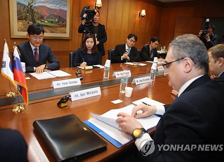 Rusia y China acuerdan cooperar para aliviar la tensión en Corea
