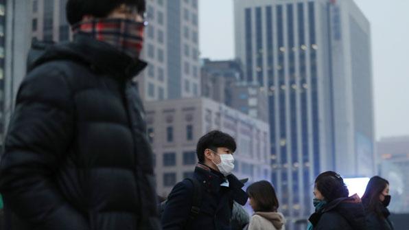 PM2.5濃度高く非常低減措置 バス・地下鉄無料に