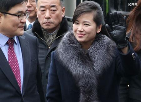 Delegación norcoreana valora posibles lugares para la actuación artística