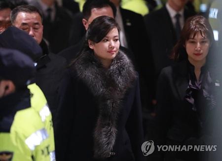 La délégation nord-coréenne inspecte des installations culturelles et sportives de Séoul