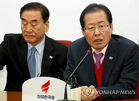 """홍준표 """"우파 통합완성""""…이재오 """"국민 됐다할때까지 분골쇄신"""""""
