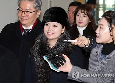 현송월 등 북한 예술단 137명 북으로…경의선 육로 통해 귀환