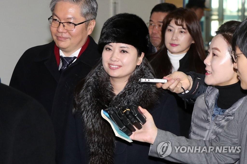北韩艺术团137人返回北韩