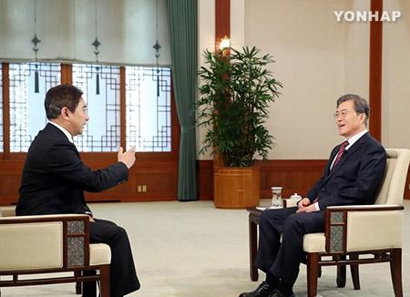 문 대통령, 중국 CCTV 통해 중국인들에 설 인사