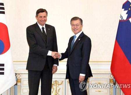 Moon: US, N. Korea Feel Need to Talk One Another