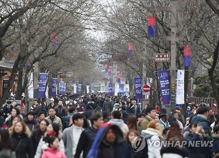 """""""식을줄 모르는 인기""""…전주한옥마을 관광객 2년연속 1천만 돌파"""