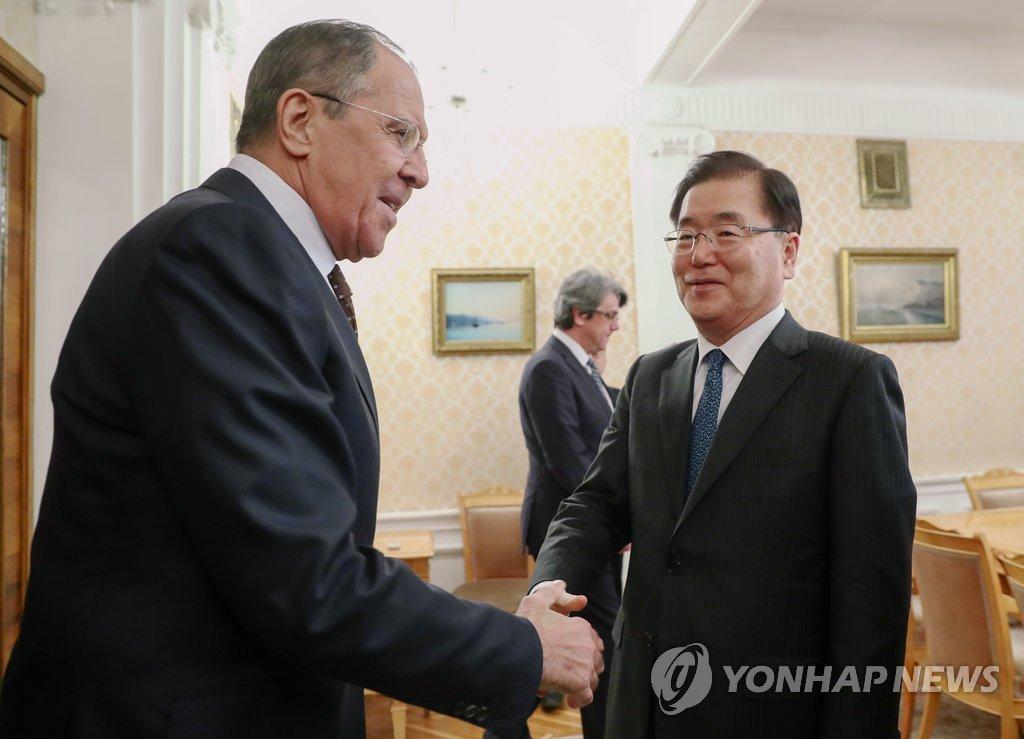 مبعوث الرئيس الكوري يلتقي بوزير الخارجية الروسي