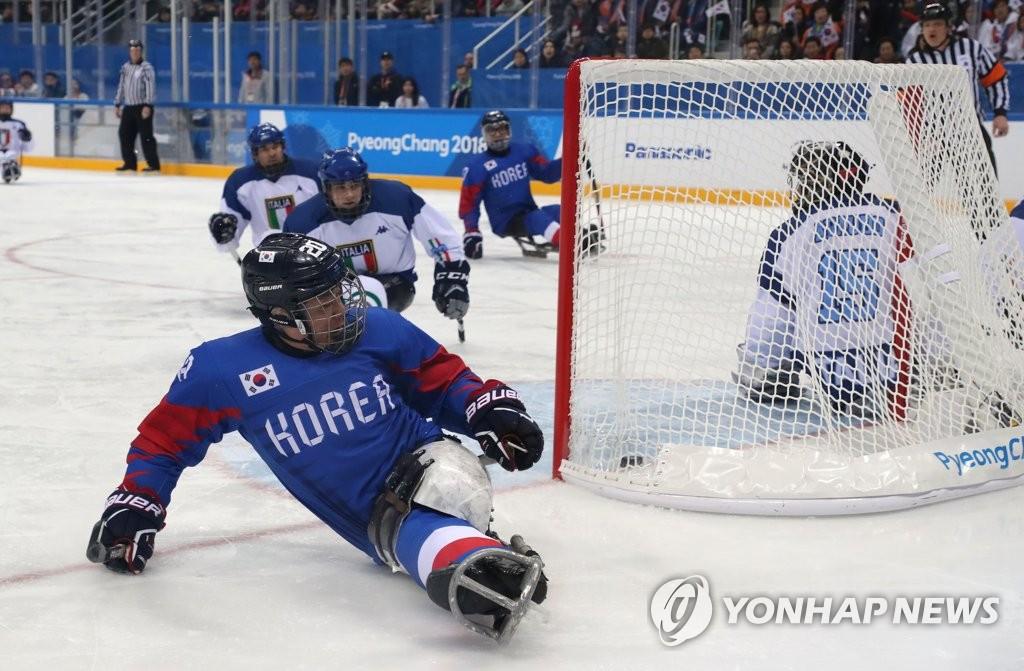 كوريا الجنوبية تهزم ايطاليا وتفوز ببرونزية هوكي الجليد