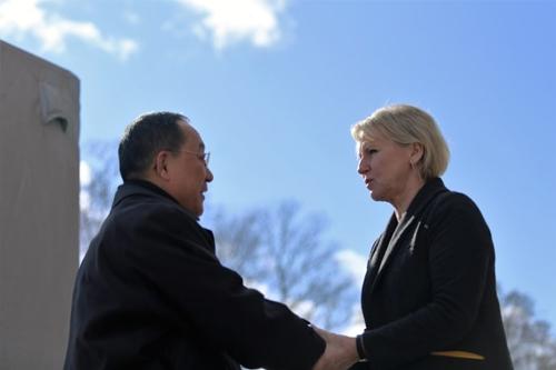 북-스웨덴 회담 종료…'북미 정상회담·미국인 석방' 논의 시사