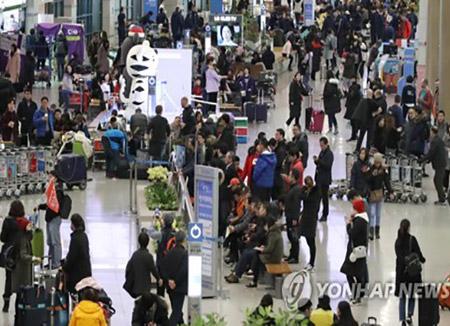 3月の中国人入国者 13か月ぶりに40万人台回復