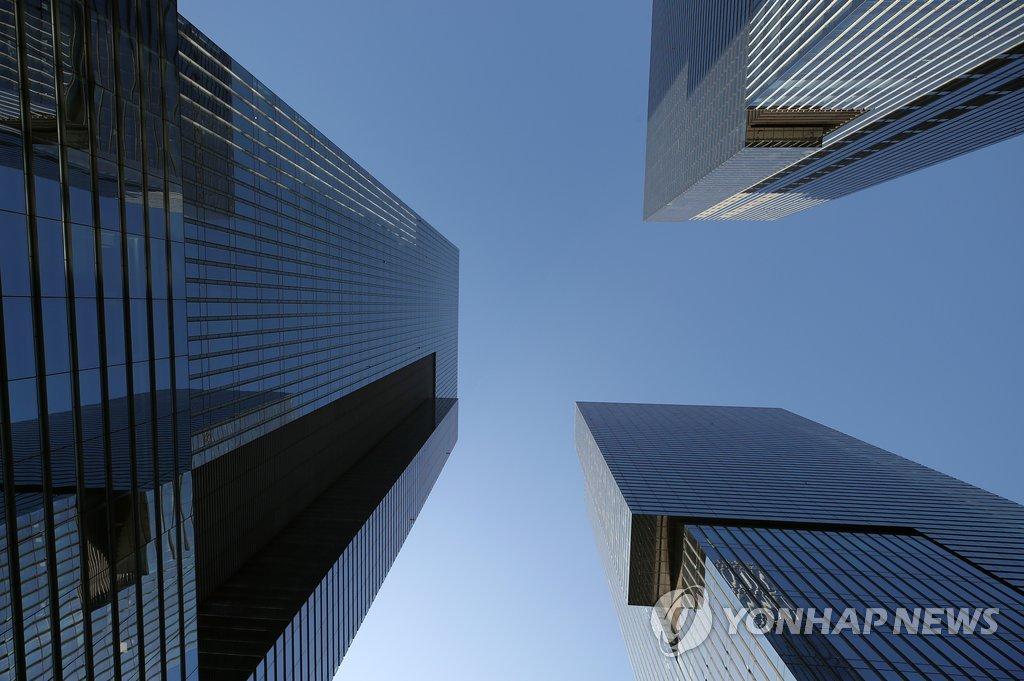 Операционная прибыль крупных компаний РК увеличится в третьем квартале на 49%