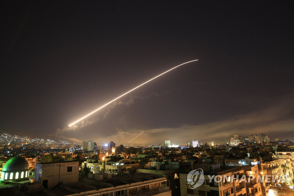 米英仏 シリアへの軍事攻撃を開始