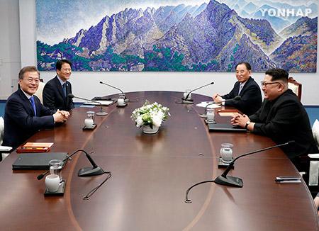 Korea-Gipfel: Moon erwähnt Notwendigkeit von Eisenbahnverbindung zwischen beiden Koreas