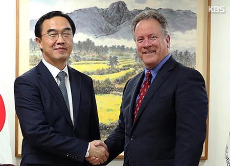 Cho Myoung-gyon s'entretient avec le chef du PAM