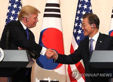 韓米首脳会談 非核化の具体策協議へ