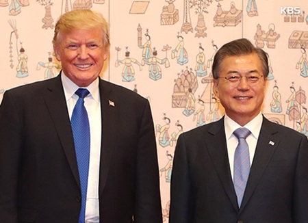 Moon Jae-in s'envole pour Washington