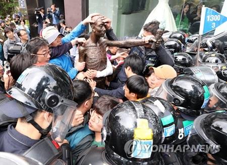 釜山の徴用工像 強制撤去へ
