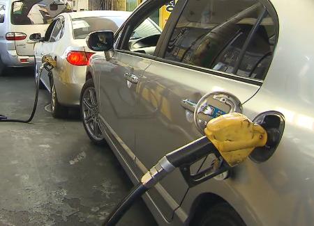 سعر البنزين يقترب من 1600 وون في أعلى مستوى منذ عام 2014