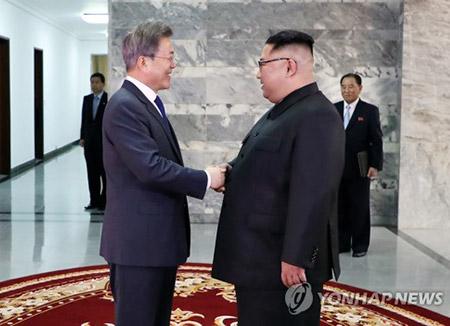 """정치권, """"2차 남북정상회담 환영""""…한국당 """"북핵 폐기 새로운 내용 없어"""""""