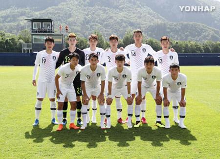 韩国国足热身赛0:2负于塞内加尔