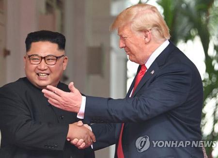 米朝首脳会談 韓国人81%、米国人70%が支持