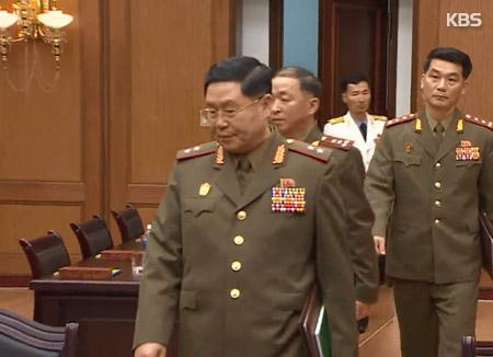 남북, 군 통신선 복구 실무접촉 종료
