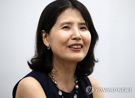 """""""미투, 더 진전해야""""…'서울시 성평등상' 대상 최영미 시인"""