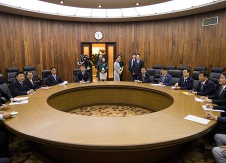 平壌で南北スポーツ当局者会談開催