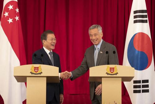 """한-싱가포르 정상회담…""""종전선언 추가 협의 진행중"""""""