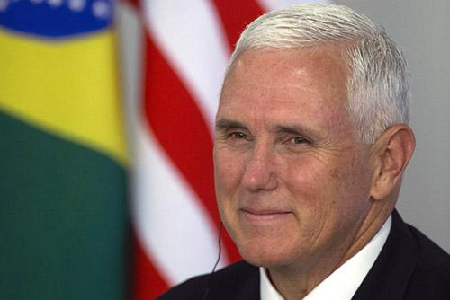 """펜스 """"트럼프, 북한 비판성명에도 싱가포르 합의 여전히 믿어"""""""