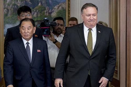 북미정상회담 한 달…비핵화 험로 확인됐지만 대화동력 유지
