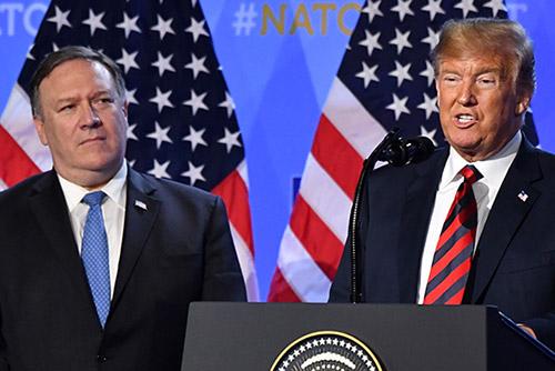 """트럼프 """"폼페이오, 북한과 잘 지내며 일 잘하고 있어"""""""