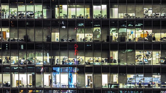 عدد ساعات العمل لثلث العمال الكوريين يتجاوز 49 ساعة أسبوعيا