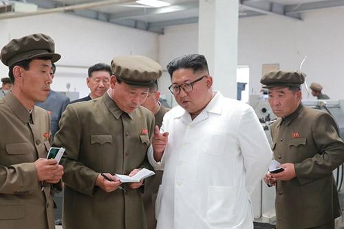 김정은, 경제시찰서 또 격노...노동신문 이례적 12면 발행