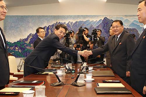 南北間の鉄道・道路連結 韓国側工事を下半期に開始
